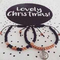 Hoping everyone will have a lovely christmas! DerynADutchDesign.etsy.com #etsy #etsyseller #etsystore #etsysellersofinstagram #christmasgift #christmas #christmasdecorations #decorations #christmasday #wishes #lovely #giftset #giftsforher #season #bracelet #handmade #macrame #marble #pendant #accessory #accessories #style #modern #stylish #craft #charm #jewelry #matte #black #minimalistic