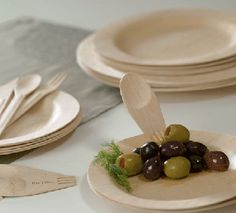 We love our bamboo plates! A great addition to any wedding and less mess. #bambu4u