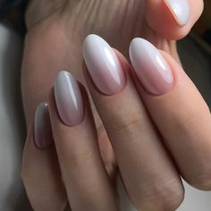 The advantage of the gel is that it allows you to enjoy your French manicure for a long time. There are four different ways to make a French manicure on gel nails. The choice depends on the experience of the nail stylist… Continue Reading → Fun Nails, Pretty Nails, City Nails, Beach Nails, Nail Swag, Nagel Gel, Almond Nails, Perfect Nails, Nail Manicure