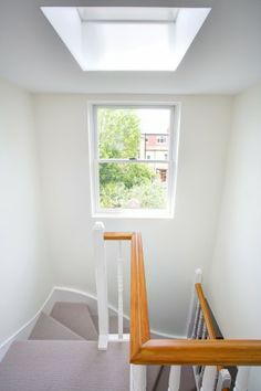 This London loft extension by Landmark Group (UK) LTD leaves no space neglected. Small Space Staircase, Loft Staircase, Staircases, Loft Conversion Gallery, Attic Conversion, Loft Conversions, Loft Room, Bedroom Loft, Loft Boards