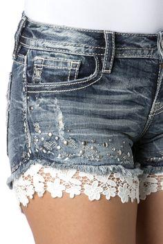 Miss Me shorts ? Miss Me shorts ? Jeans Refashion, Diy Jeans, Jeans Denim, Denim Outfits, Short Outfits, Cool Outfits, Diy Shorts, Lace Shorts, Miss Me Shorts