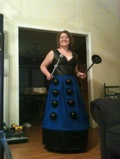 How I Learned to Stop Worrying & Love the Blog: Dalek Costume Tutorial (and regrets)