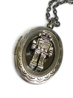Steampunk Mr. Robot - Necklace Pendant locket. Find your way where ever life may take you with this perfect Steampunk pendant . Compass Really Works. Makes the perfect gift for you or a loved one. Unisex, great for men and women. Compass measures 50mm.