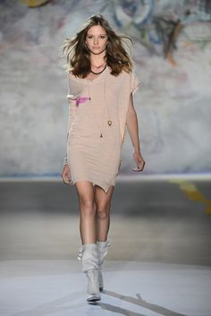 """Discover """"MELODY REBEL"""" the inspirational mood for a surprisingly fashionable SPRING SUMMER collection. Pure PATRIZIA PEPE style http://www.patriziapepe.com/shop/donna"""