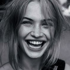 What a stunning smile! And how cute are those freckles!! Take a moment to #smile today #oilpulling #mouthdetox