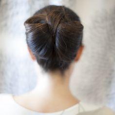 bridal hair idea: the hair bow