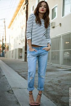 How to style girlfriend jeans: