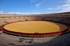 Plaza De Toros De Osuna in Osuna, Andalucía. Deze prachtige arena in Sevilla heet in Game of Thrones Arena of Meereen.