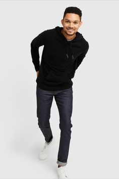 Classic hoodie ease meets ultra--A cashmere softness. Made a cashmere to trap warmth throughout even the coldest months. It's sleek fit and subtle contrast detailing keeps this style elevated whether worn over a tee-shirt or under a winter jacket. Cashmere Sweater Men, Men Sweater, Home Outfit, Tee Shirts, Tees, Hoodies, Sweatshirts, Black Hoodie, Contrast