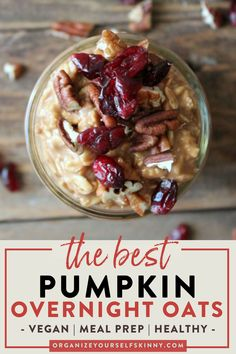 The Best Pumpkin Overnight Oats | Easy Breakfast Idea - Looking for the perfect Fall breakfast? These oats are made with pumpkin puree, greek yogurt, pumpkin spice, and sweetened with just the right amount of pure maple syrup. It's truly like fall in a jar! If you wait all year to enjoy pumpkin spice, then make sure to put this wholesome delicious breakfast on the meal plan. Organize Yourself Skinny | Oats Breakfast | Meal Prep Breakfast | Healthy Eating #breakfast #overnightoats #fall Healthy Breakfast On The Go, Fall Breakfast, Healthy Breakfast Smoothies, Healthy Freezer Meals, Healthy Meal Prep, Nutritious Meals, Pumpkin Overnight Oats, Vegan Overnight Oats, Oats Recipes