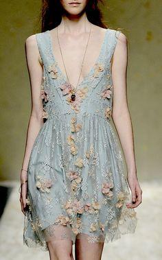 Light blue feminine and elegant dress http://www.hiphunters.com/
