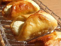 Branzoaice My Favorite Food, Favorite Recipes, Romanian Food, Romanian Recipes, Breakfast Time, Pretzel Bites, Baked Potato, Sweets, Bread