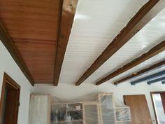 Holzdecke Sanieren holzdecke aus balken deckenideen wohnzimmereinrichtung umbau hombe