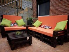 Diy pallet seats pallet couch black stained pallet sofa with orange cushion pallet furniture pallet diy Wood Pallet Couch, Pallet Seating, Pallet Patio Furniture, Outdoor Pallet, Space Furniture, Furniture Ideas, Bedroom Furniture, Sofa Design, Canapé Design
