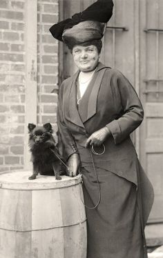 Mrs. H.M. Hill, at a Dog Show, 1915.