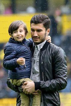 Nuri Şahin Football Players, Couple Photos, Couples, Memes, Borussia Dortmund, Star, Football Soccer, Projects, Couple Shots
