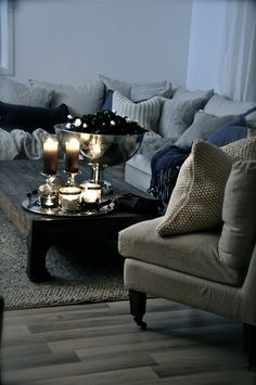 A couch I could sink into and no one would know where I was!  Looks perfect for a cozy night in.