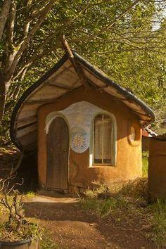 Bohemian Homes: Cob home