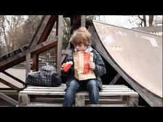 Anuncio McDonalds (Package) McDonalds vs. Burger King 2011 - GUERRA DE MARCAS (McDonalds y Burger King)