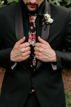 Moongate arch wedding- rock and roll groom attire- floral tie for wedding Moongate arch alert! Oh how we love some lush ceremony flowers! Savanna and Colton had their hearts set on this stunning ceremony piece for their Tuxedo Wedding, Wedding Ties, Wedding Attire, Arch Wedding, Wedding Outfits, Black Suit Wedding, Gothic Wedding, Wedding Couples, Boho Wedding