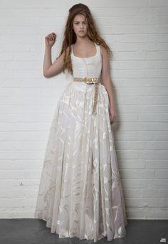 Vivienne Westwood: Cinderella Dress. Ivory Grosgrain Corset With Silk Jacquard organza. http://bestdress.com.ua/uploads/posts/2011-11/1322589399_3a.jpg