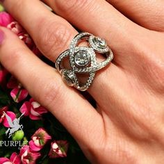 ring with diamond diamonds in white gold Dubai Fashion, Fine Jewelry, Gold Jewelry, Diamond Bands, Jewelery, Your Style, Like4like, Jewelry Design, White Gold