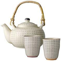 Teapot Carla ($28) ❤ liked on Polyvore featuring home, kitchen & dining, teapots, tea pot, porcelain tea pot, tea-pot and porcelain teapot