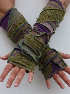 Forest Grunge Arm Warmers, Fingerless Gloves, Olive Sage and Purple, lined with … - DIY Clothes Sweater Ideen Knitted Gloves, Fingerless Gloves, Mode Style, Refashion, Types Of Sleeves, Half Sleeves, Diy Clothes, Arm Warmers, Hoodie