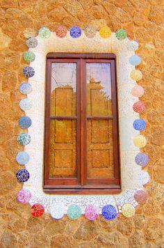 It looks like gumdrops!  Reminds me of Hansel & Gretel.  Gaudí, Park Güell, #Barcelona