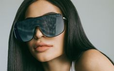 Download wallpapers 4k, Kylie Jenner, 2017, brunette, beauty, Hollywood, Quay, portrait, sunglasses