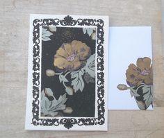 """Carte """"fleur dorée"""" avec enveloppe assortie."""