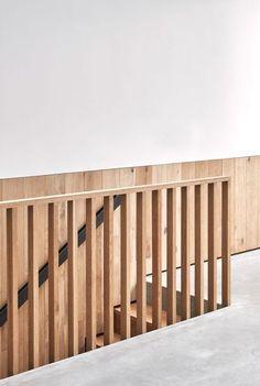 Rylett Studios by Mclaren Excell. Wooden Stair rail.