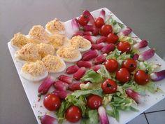 Oeufs mimosa au saumon fumé / La table de Clara Menu, Quiches, Cobb Salad, Pizza, Table, Food, Salads, Recipe, Smoked Salmon