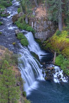 ✮ Middle Falls of the McCloud river from above - California