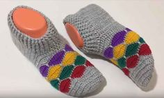 Petek Desenli Bot Patik Yapımı Knit Crochet, Socks, Knitting, Pattern, Sewing Ideas, Fashion, Slippers Crochet, Tricot, Moda