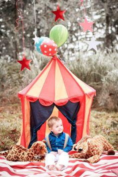 Circus themed birthday photo shoot  Copyright Kim Elsner Photography