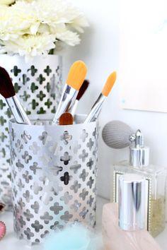 DIY Aluminum vase. Great idea for organizing makeup brushes!