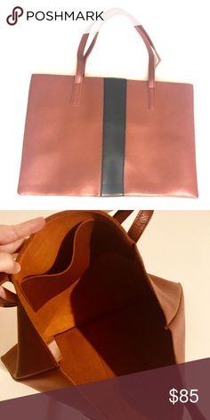 4fddb58b38 NEW Vince Camuto vegan leather purse Brand NEW Vince Camuto purse made out  of vegan leather