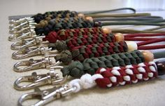 I share photos of my hobby with decorative and useful knot work, with paracord and other sizes/types of cordage and accessories. Paracord Knots, 550 Paracord, Paracord Bracelets, Paracord Projects, Macrame Projects, Paracord Ideas, Paracord Tutorial, Crafty Projects, Parachute Cord Crafts