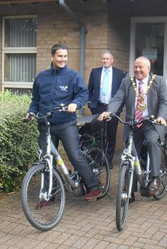 WATA invites the Mayor of Huntingdon to join them on their bikes for the Green Travel Scheme