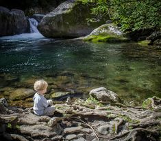 Midnight Hole is a great spot for a break. - Kid-Friendly Hikes in Great Smoky Mountain National Park Tennessee State Parks, Tennessee Vacation, Smoky Mountains Hiking, Great Smoky Mountains, Canada Travel, Travel Usa, Vacation Places, Dream Vacations, Vacation Spots