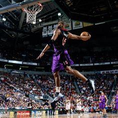Toronto Raptors Vince Carter- Stop booing, VC best raptor of all time Basketball Pictures, Love And Basketball, Sports Basketball, Basketball Jersey, Basketball Players, Basketball Jones, Basketball Funny, Sports Teams, Toronto Raptors