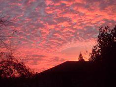 Atardecer naranjo desde mi ventana Orange sunset, from my window