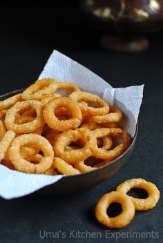 My Kitchen Experiments: Ring Murukku / Chegodilu / Rice Flour Rings Cooking Temp For Beef, Best Cooking Oil, Cooking Wine, Evening Snacks Indian, Indian Snacks, Indian Food Recipes, Indian Sweets, Indian Foods, Savory Snacks
