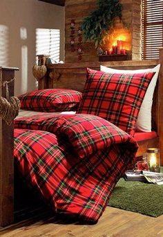 Winterse look voor de slaapkamer - Residence Zo'n houten bed met gedrapeerde gordijnen.