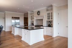 Little River - Cumbria Face Framed - Traditional - Kitchen - melbourne - by Steding Interiors & Joinery