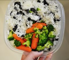 7 lunches cooking in bulk.... the cost breakdown:    •4 cups rice - about $1.00 (buy rice in large bags from an asian market!)  •3 cups black beans - $1.29 (dried in a bag)  •3 heads broccoli - $1.50  •1 bag baby carrots - $1.00  •total for 7 lunches, not counting different spices = about $5.00