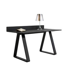 By Thomas Eriksson 2006. The solid structure with the well defined top and triangular shaped legs is designed with people in mind. The legs are very well coordinated and makes it easy to seat many people on all four sides. The Bermuda series consist of a dining table in several sizes, a mega table i