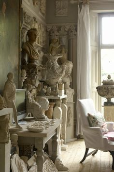 Interesting old busts - can be used in the most traditional to very modern rooms