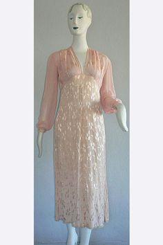 1910s Edwardian Nightgown